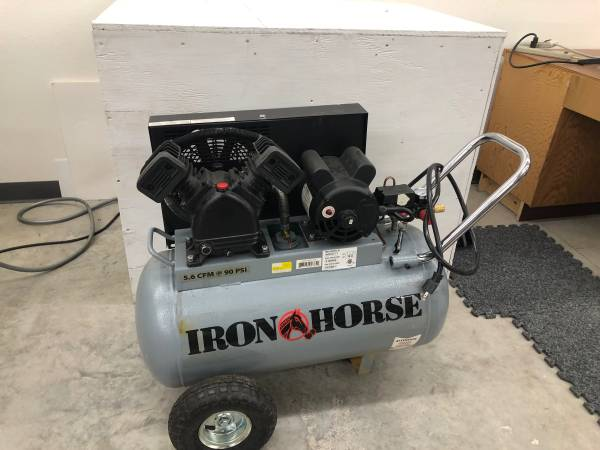 Photo Iron Horse 20-Gallon Air Compressor - $300 (Perham, MN)
