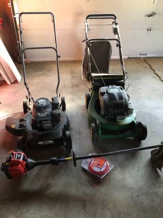 Photo John Deere 2 speed mower pulsar push mower weed trimmer yard machines (Dilworth)