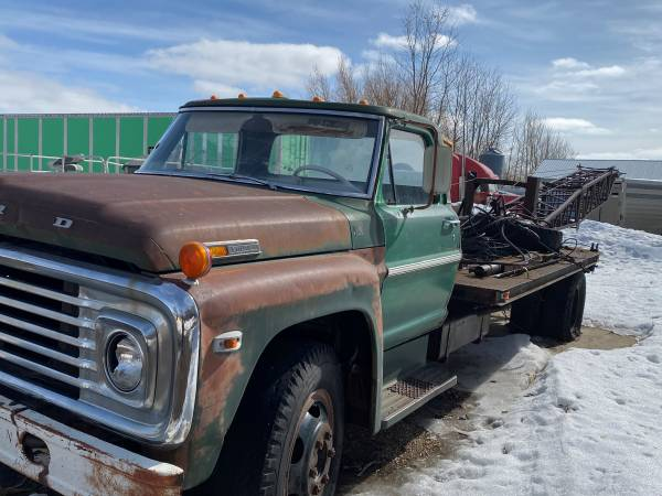Photo Old Ford Truck for moving Grain Bins - $500