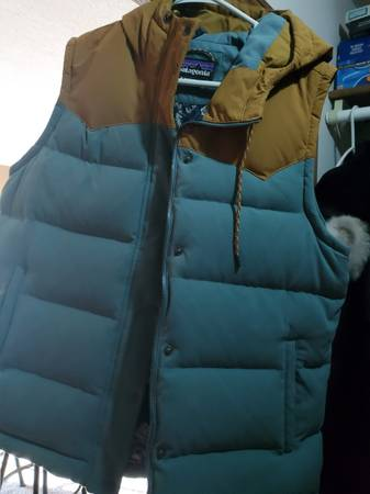 Photo PATAGONIA VEST - $100 (Moorhead)