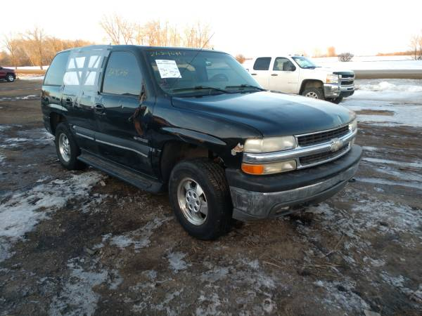 Photo Parting out this 2002 Chevy Tahoe - $1 (30 Miles East of Fargo)