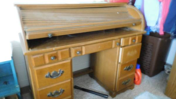 Photo Roll Top Desk (Sauk Rapids)