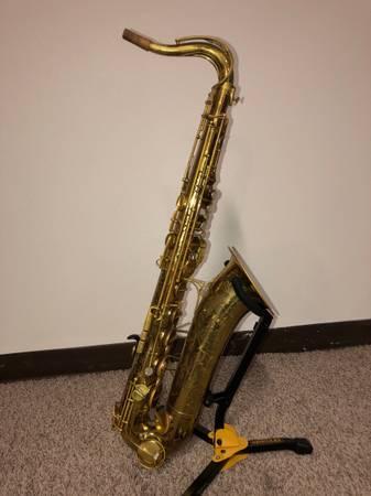 Photo Vintage The Martin Committee III Tenor Saxophone - $2,000 (Fargo)