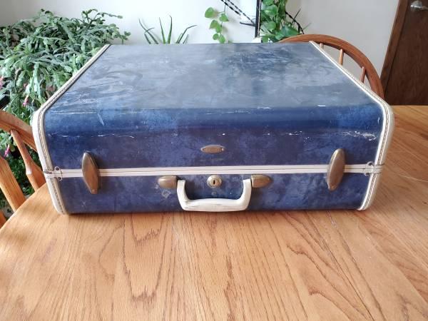 Photo Vintage samsonite 21quot blue patina luggage suitcase - $19 (Fargo)