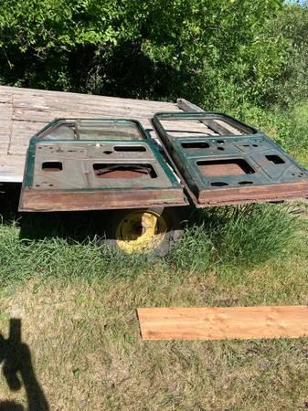 Photo Willys Jeep - $330 (Ada)