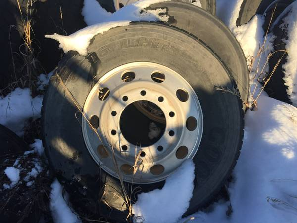 Photo 10 aluminum 22.5 wheels - $1,000 (56 Thunderbasin ct)