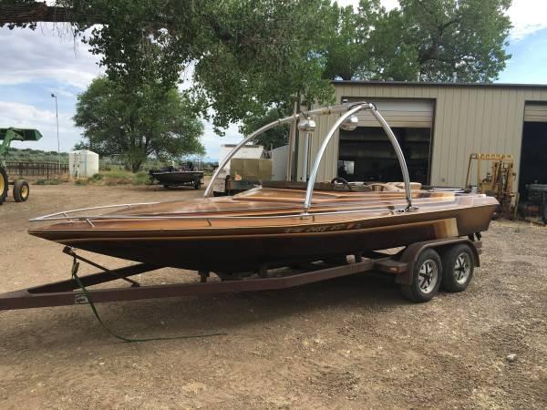 Photo 1985 Carrera Jet Boat - $10,000 (La Plata)