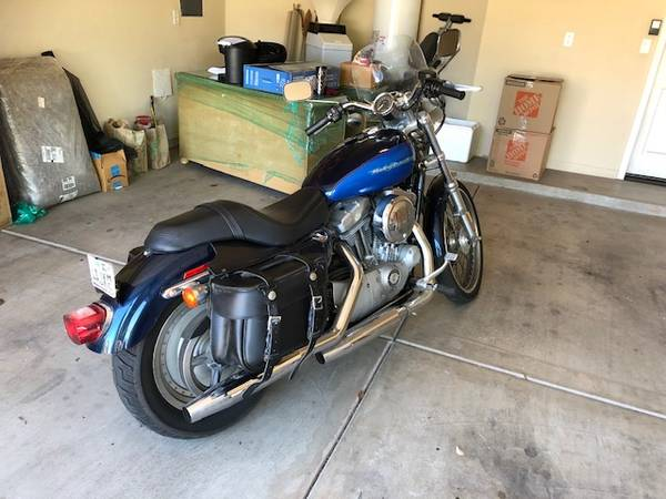 Photo 2004 Harley-Davidson XL Sportster 883 - $3,200 (Sedona VOC)