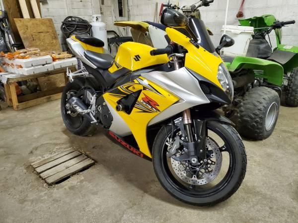 Photo 2007 Suzuki GSXR 1000 K7 - $6,500 (Farmington)