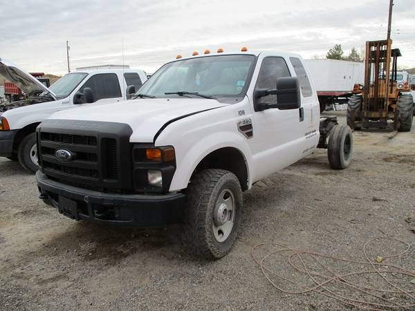 Photo 2008 Ford F350 Super Duty Cab and Chassis - $2500 (Farmington)