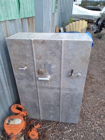 Photo 75 gallon aluminum fuel tank - $250 (Flagstaff, AZ.)