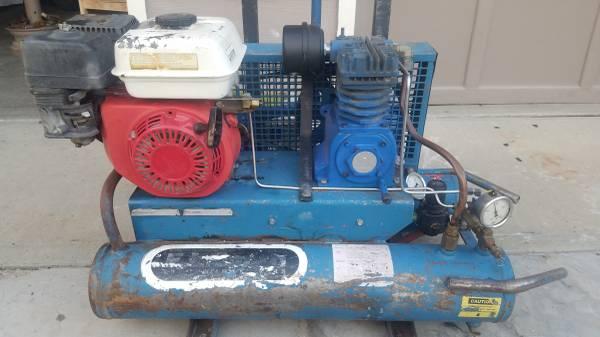 Photo Air Compressor gas powered - $300