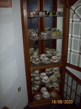 Photo CORNER UNIT BEVELED GLASS - $1,800 (NAVAJO DAM, NEW MEXICO)