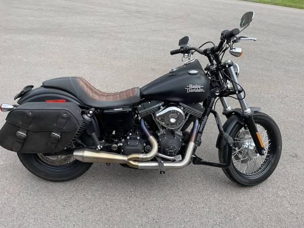 Photo Harley Davidson Dyna 2016 - $12,500 (Basalt)