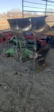 Photo John deere 3 bottom plow - $2,000 (Waterflow)