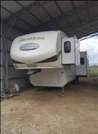 Photo MONTANA 5th wheel 33ft - $29,500