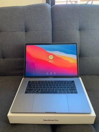 Photo Mid-2018 MacBook Pro 15 Core i6 6 core 32GB RAM 1TB SS HD - $2,000 (Breckenridge)