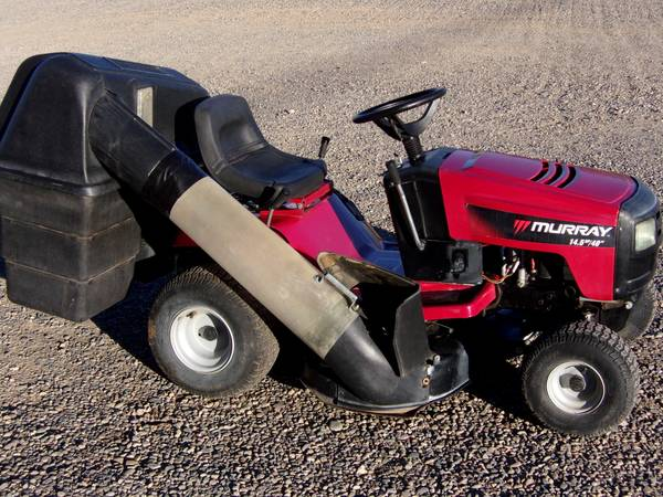 Photo Murray Riding Lawn Mower wbags - $750 (Farmington, New Mexico)