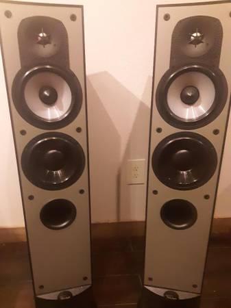 Photo Paradigm Model 7 v.3 Tower Speakers - $150 (Pagosa Springs)