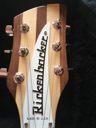 Photo Rickenbacker 330 - $1,500 (Taos)