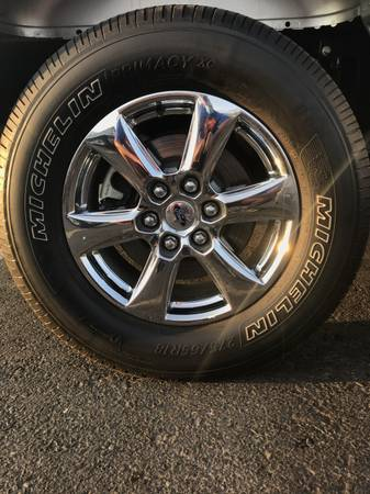 Photo Stock 18 inch 6 lug wheels from a Ford F150 - $75 (Farmington)
