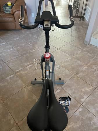 Photo Sunny spin bike - $300