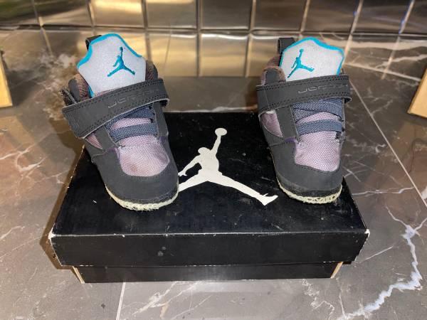 Photo Toddler 5C Jordans (Jordan Son Of Low) - $20 (South Valley Part Of Town)