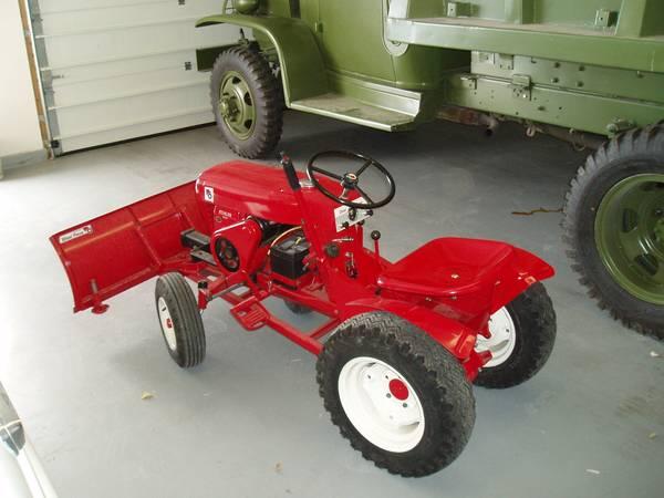 Photo Wheel Horse garden tractor - $1600 (duango)