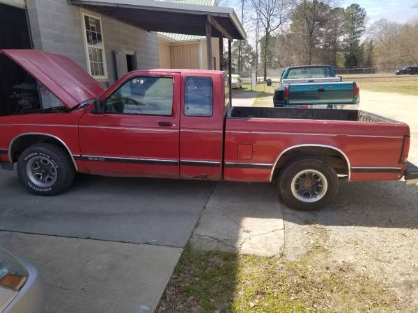 Photo 1993 Chevy S10 - $1800 (Fayetteville)
