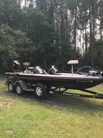 Photo 2002 Ranger Bass Boat - $17,000 (Elizabethtown)