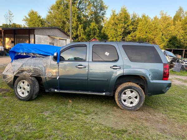 Photo 2008 Chevy Tahoe Z71 parting out (Lumberton)