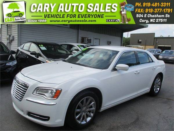 Photo 2014 CHRYSLER 300,CHROME WHEELS - $9795 (cary,nc)