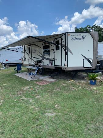 Photo 2017 - ROCKWOOD ULTRA LITE by FOREST RIVER - $20,850 (WHITE LAKE - ELIZABETH TOWN NC.)