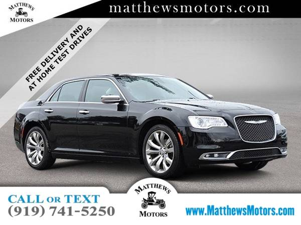 Photo 2019 Chrysler 300-Series Limited w Nav Panoramic Sunroof (Chrysler 300-Series Sedan)