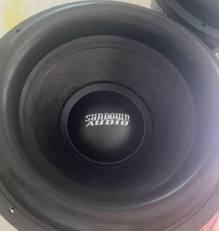 Photo 2 sundown audio 15s - $300 (Erwin)