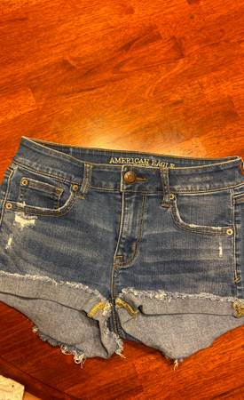 Photo American eagle shorts size 4 - $10 (Fayetteville)