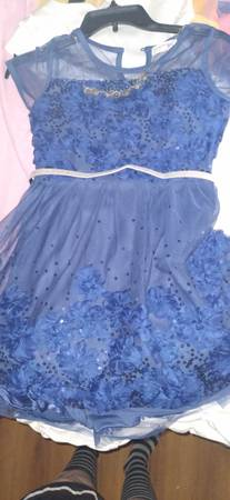 Photo Blue size 12 in little girl39s dress well thats what tag says - $50 (Fayetteville)