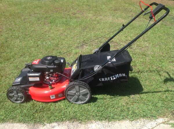 Photo Craftsman self propelled lawn mower - $225 (Hope Mills)