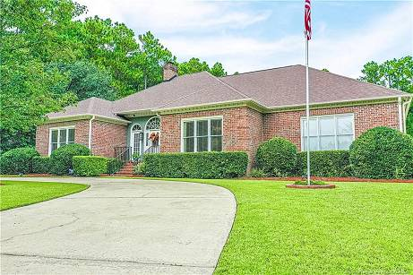 Photo Custom built and better than new, this home is move in ready (Fayetteville, NC)