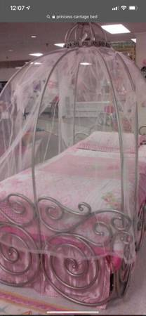 Photo Disney Princess Carriage Bed - $250 (Hope Mills)