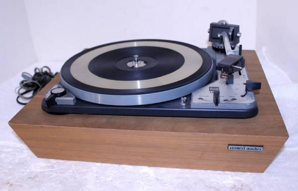 Photo Dual 1019 Idler Driven Stereo Semi Auto Return Turntable  Shure M44E - $389 (Lumberton)