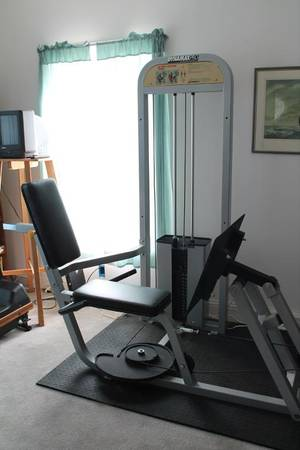Photo Dynamax Pro Leg Press Exercise Equipment and FREE bench press - $490 (Siler City)