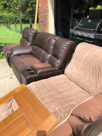 Photo Faux leather sectional - $55 (Fayetteville- Cottonade)