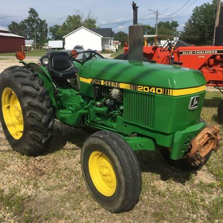 Photo John Deere 2040 Tractor - $8,700 (Dunn)