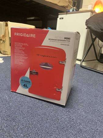 Photo Mini Fridge - $20 (Laurinburg)
