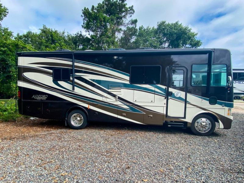 Photo Used 2014 Tiffin Motorhomes Class A RV