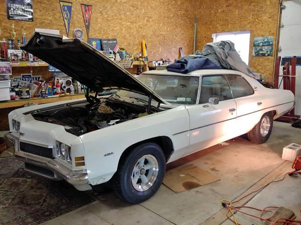 Photo 1972 Chevy Impala 454 - $7,600 (SENECA FALLS)