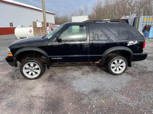 Photo 1999 Chevy blazer for parts - $700 (Seneca Falls)