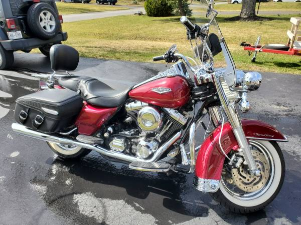 Photo 2004 Harley Davidson Road King Classic - $8,250 (HENRIETTA)