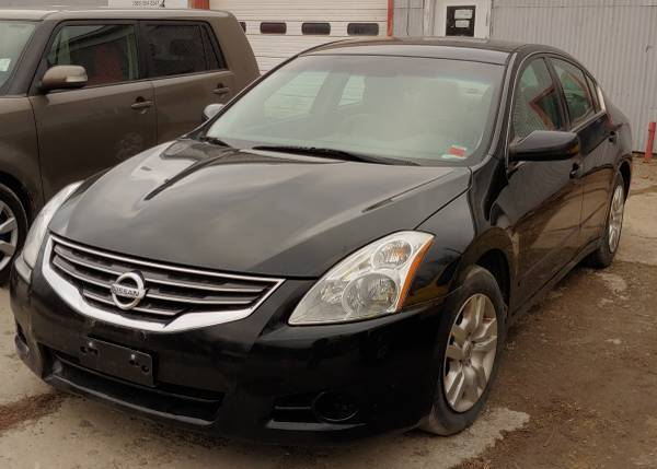 Photo 2010 altima - $4,400 (middlesex)